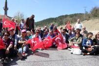 CHP'li Vekil Yol Kapattı, Araçlar Dakikalarca Bekledi