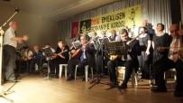 Emekli Çift Konsere Gelenleri Oynadıkları Zeybekle Coşturdu