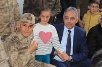 JANDARMA GENEL KOMUTANI - Jandarma Genel Komutanı Orgeneral Çetin, Hakkari Esnafını Ziyaret Etti