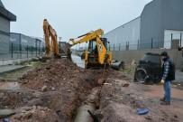 MESNEVI - Kartepe'de Yağmur Suyu Hattı Çalışmaları Sürüyor