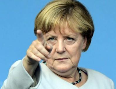 Merkel'den ilk açıklama: Destekliyoruz!