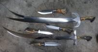 Sürmeneli Bıçak Ustaları Şimdilerde Yaptıkları Kılıçlarla Dikkat Çekiyor