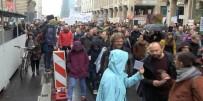 BRANDENBURG - Berlin'de Artan Kiralar İnsanları Sokağa Döktü