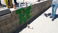 MOBESE - Duvar Boyayan Gençler Polisi Harekete Geçirdi