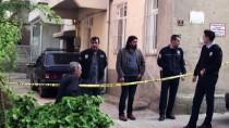 İŞİTME ENGELLİ - Engelli Anne Ve Babasını Öldürdü