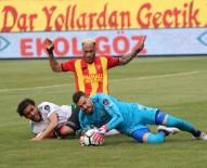 SABRİ SARIOĞLU - Spor Toto Süper Lig Açıklaması Göztepe 0 - Bursaspor 0 (İlk Yarı)