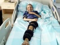 PLASTİK CERRAHİ - Arkadaşının tekmesi hayatını kurtardı