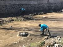 BAHAR TEMİZLİĞİ - Çaldıran Belediyesinden Bahar Temizliği