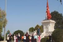 ARAŞTIRMACI - Dumlupınar Şehitliği'ne Ziyaretçi Akını