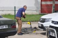 SERVİS OTOBÜSÜ - Engelli Genç Bir Günde Hem Otobüs Hem Otomobil Hem De Bisiklet Çaldı