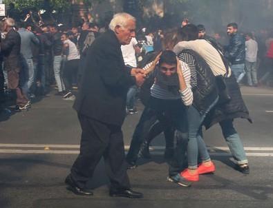 Ermenistan'da Sarkisyan'a karşı gösteriler sürüyor