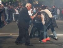 GÖZ YAŞARTICI GAZ - Ermenistan'da Sarkisyan'a karşı gösteriler sürüyor