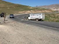 Hasankeyf'te Tır İle Kamyonet Çarpıştı Açıklaması 3 Yaralı