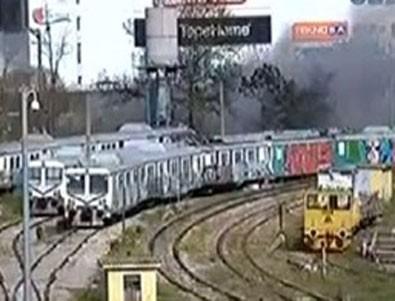 Haydarpaşa Garı'ndaki boş vagonlarda yangın