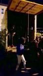 TÜPRAŞ - Kaçak Göçmenler Kamyonetin Kasasında Üst Üste Yakalandı