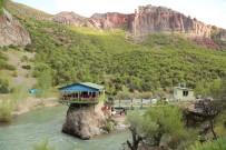 PÜLÜMÜR ÇAYı - Kaya Üzerindeki Restoran Doğal Güzellik Sunuyor