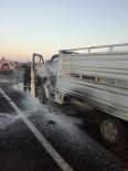 YANGINA MÜDAHALE - Malatya'da Araç Yangını