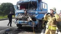 HADıMKÖY - (Özel) Hadımköy'de Sıkışmalı Trafik Kazası