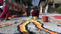 Sokaklar Öğrencilerin Fırçasıyla Renkleniyor