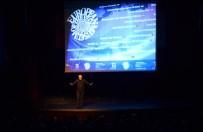 BÜYÜK TAARRUZ - Sunay Akın 'Görçek'Le Maltepe'de Sahne Aldı