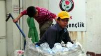 Suriyeli 15 Yaşındaki Çocuk, 9 Kişilik Ailesinin Geçimini Çöpten Sağlıyor