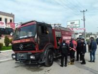 YANGINA MÜDAHALE - Yangını Söndürmek İsteyen İtfaiye Aracı Alev Aldı