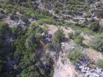 KARAÖZ - Antalya'da Kaybolan Yaşlı Adam Havadan Ve Karadan Aranıyor