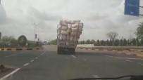 Aşırı Yüklü Kamyon Trafikte Tehlike Saçtı