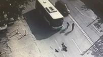 KIZ ARKADAŞ - Belediye Otobüsü Genç Kıza Böyle Çarptı