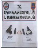 TATARLı - Jandarmanın Durdurduğu Araçlarda Ruhsatsız Tabanca Ele Geçirildi