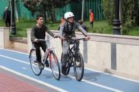 GÜMÜŞDERE - Sağlıklı Yaşamı Seçtiler, Bisiklet Sürdüler