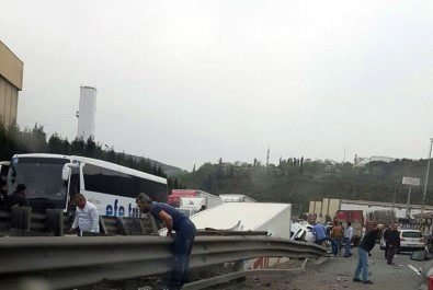 TEM'deki kazada valinin ve kaymakamların eşleri yaralandı!