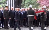 İSTANBUL VALİSİ - Turgut Özal Mezarı Başında Anılıyor