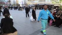 MADDE BAĞIMLISI - Atıkları Artık Belediye İçin Topluyor