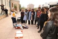 İL SAĞLıK MÜDÜRLÜĞÜ - Bayburt Üniversitesi Öğrencilerine Uygulamalı Eğitim Ve Seminer Verildi