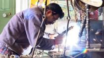DEVE KUŞU - Hurda Araçları Sanat Eserine Dönüştürüyor