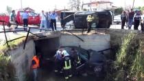 CELAL BAYAR - Muğla'da Kamyonet İle Otomobil Çarpıştı Açıklaması 3 Yaralı