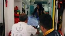 Okul Servisinde 'Kardeşler'in Bıçaklı Kavgası Açıklaması 2 Yaralı