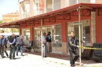 Oto Galeriye Silahlı Saldırı Açıklaması 1 Yaralı