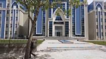 Sahte Plakayla Takip Ettikleri Araçtan 70 Bin Lira Çaldılar