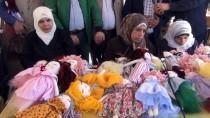 BEZ BEBEK - Savaşın Acılarını Bez Bebek Üretimiyle Unutuyorlar