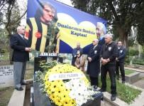 TAMER YELKOVAN - Serkan Acar Kabri Başında Anıldı