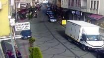 Trabzon'da Otomobil Yayalara Çarptı Açıklaması 3 Yaralı