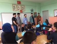 Üniversitelilerden Miniklere İngilizce Dersi