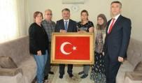 ALI SıRMALı - Vali Yazıcı Şehit Ailesini Ziyaret Etti