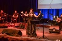Bergama'da Sevda Şarkıları Söylendi