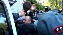 OTURMA EYLEMİ - Ermenistan'da 120 Gösterici Gözaltına Alındı