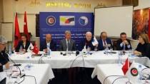 Hak-İş Genel Başkanı Arslan, Kosova'daki Sendikacıları FETÖ'ye Karşı Uyardı