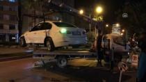 Kaza Yaptıkları Otomobili Terk Edip Gittiler