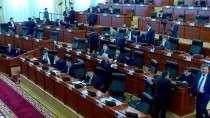 ALMAZBEK ATAMBAYEV - Kırgızistan'da Hükümet Düştü